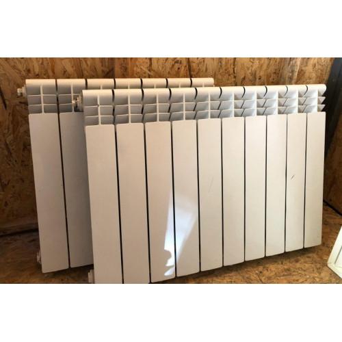 Радиатор алюминиевый секционный, на десять секций, высота 520мм.